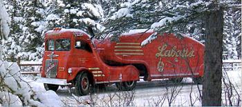 Steampunk Vehicles-labatt_streamliner_canadian.jpg