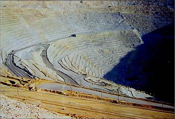 Please give me one good reason to visit Utah-bingham-copper-mine-salt-lake-city-utah-16.jpg