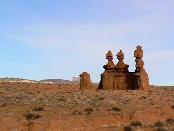 Please give me one good reason to visit Utah-goblinvalleyscene3stooges1.jpg