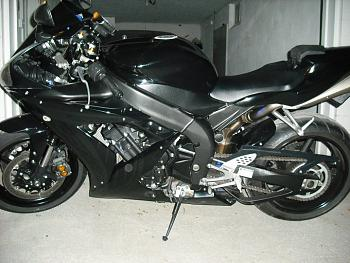 Motorcycles!  What do you ride and where?  Etc.-r1-left.jpg