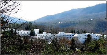 Please give me one good reason to visit West Virginia-west-virginias-world-famous-hotel-greenbrier-white-sulphur-springs-wv.jpg