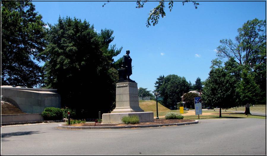 Columbus Monument,  Columbus Water Pumping Stationsouth Boulevardbyrd Parkrichmondvirginia