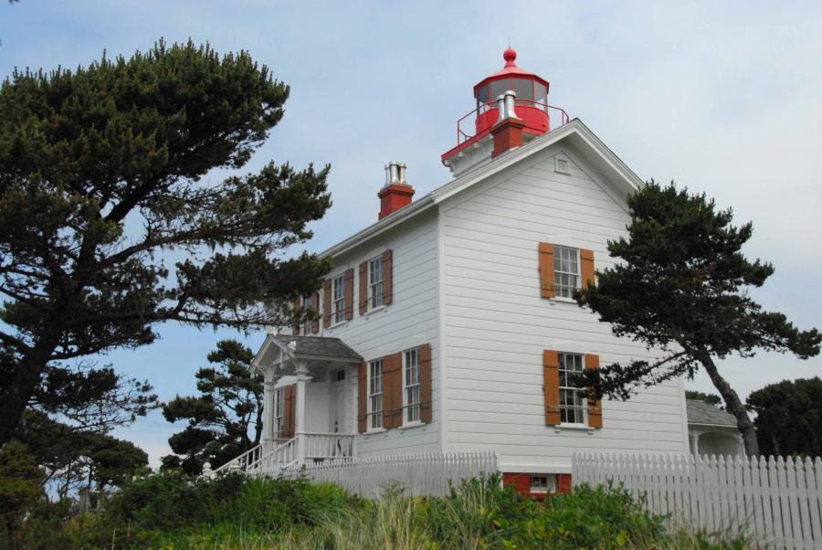 Woodenyaquinabaylighthouse