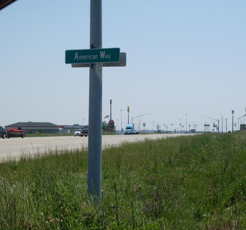 Monroe--street sign
